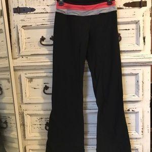2 Lululemon yoga pants